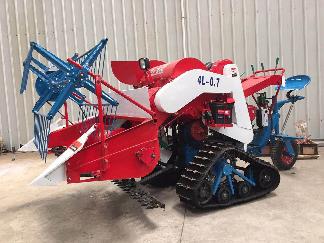 Small Agriculture Harvester With 14HP, 10KW Electric Starting Diesel Engine